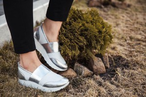 Легкие кроссовки - отдельное направление в обувной индустрии